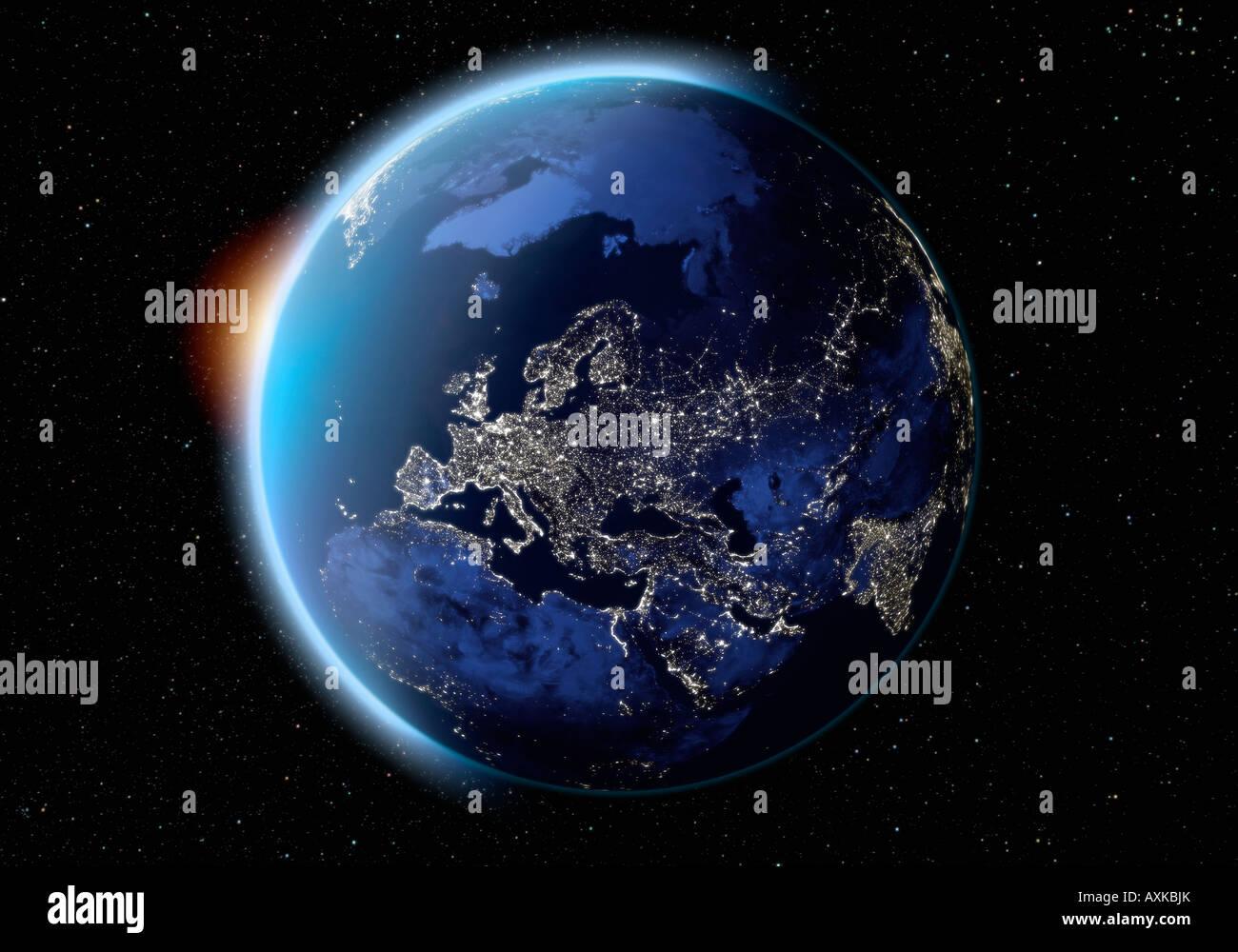 Imagen de satélite del planeta tierra de Europa en la noche Imagen De Stock