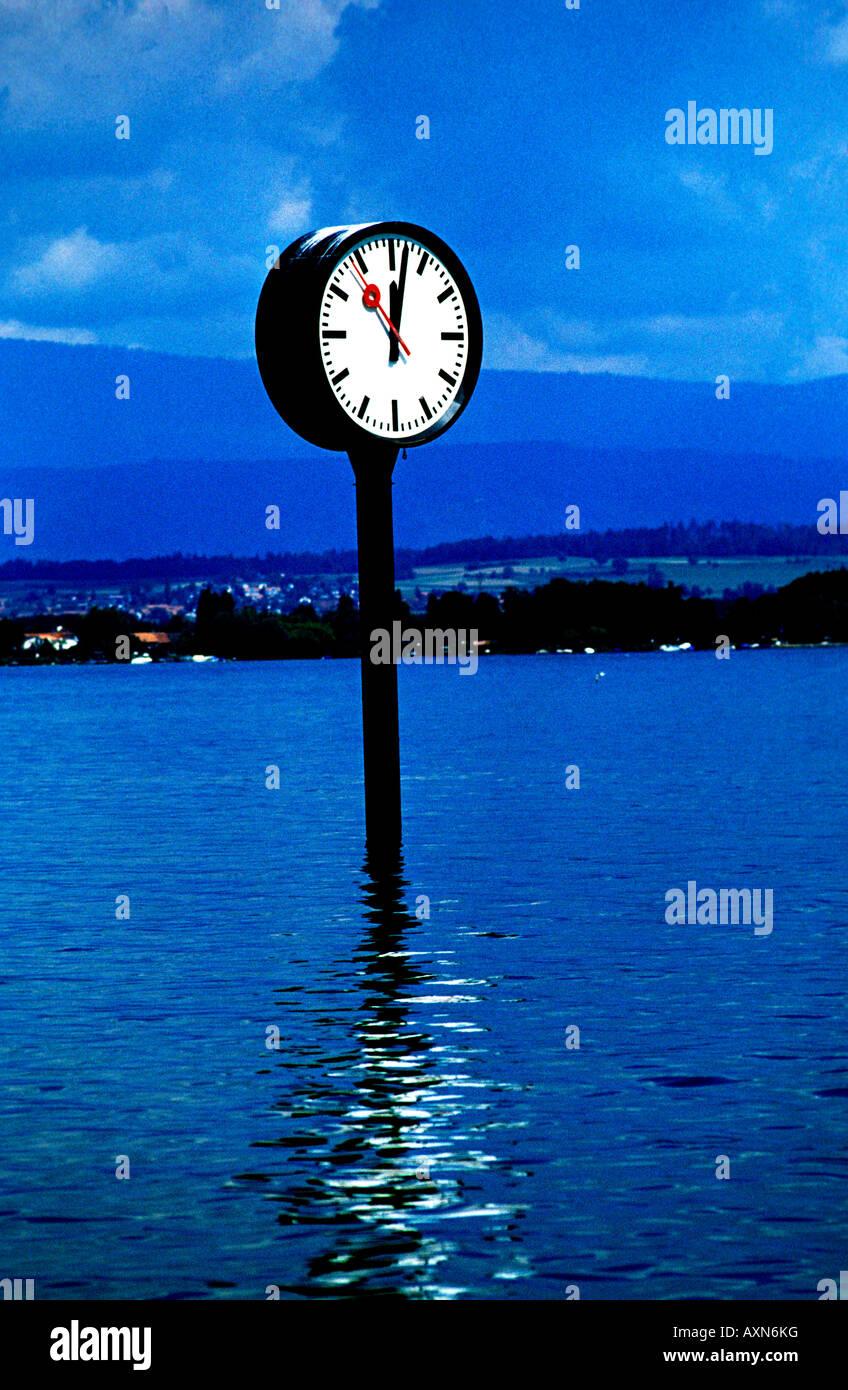 Tiempo concepto atemporal símbolo El agua Imagen De Stock