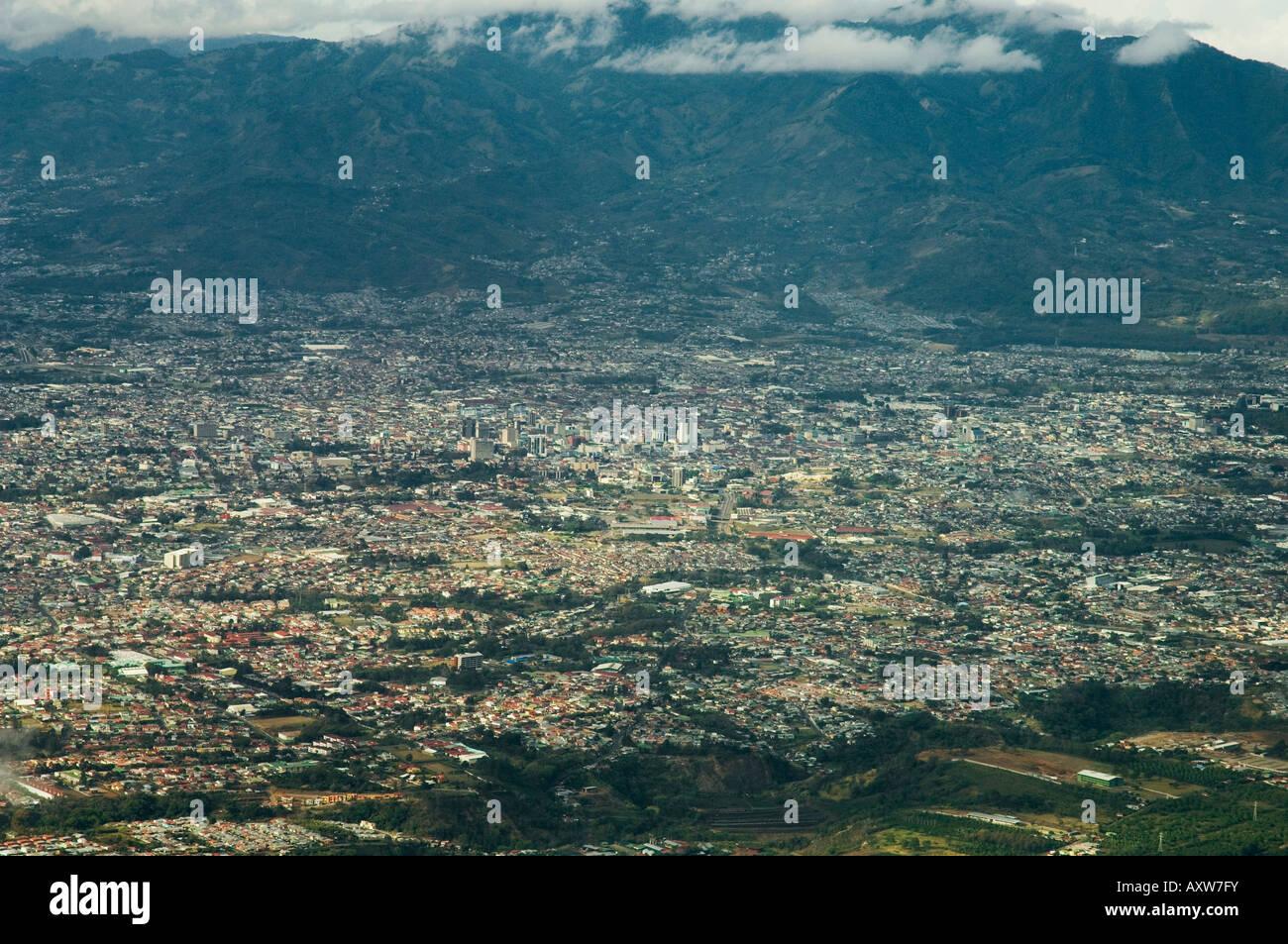 Llegando desde el aire de San José, Costa Rica Imagen De Stock