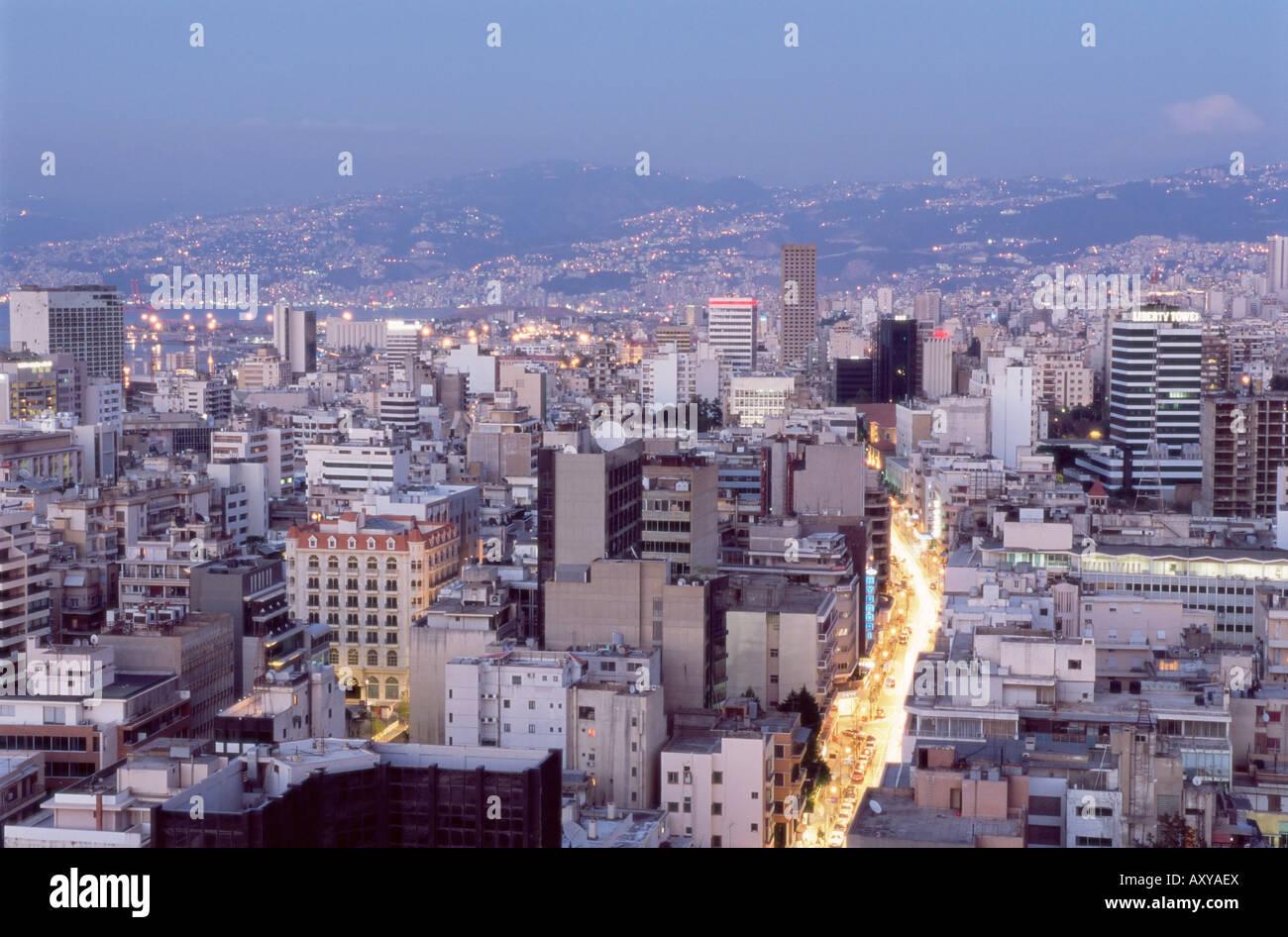 Vista elevada hacia el Distrito Central (BCD) en la reconstrucción de la ciudad de Beirut, Líbano, Oriente Imagen De Stock