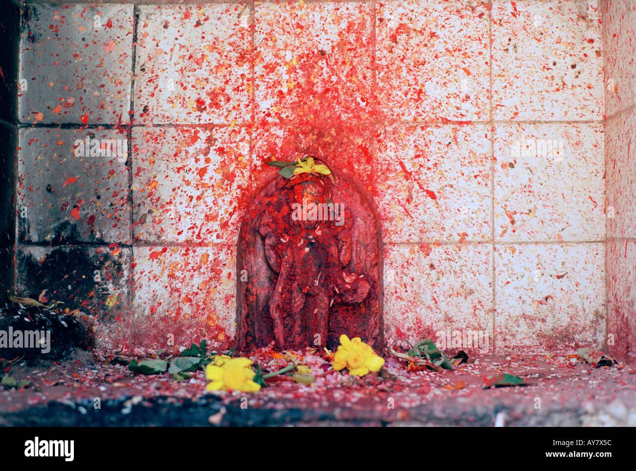 Viajar por el mundo. Deidad hindú Kali en un templo religioso en Katmandú, en Nepal, en Asia. La religión Wanderlust escapismo Cultura Historia Imagen De Stock