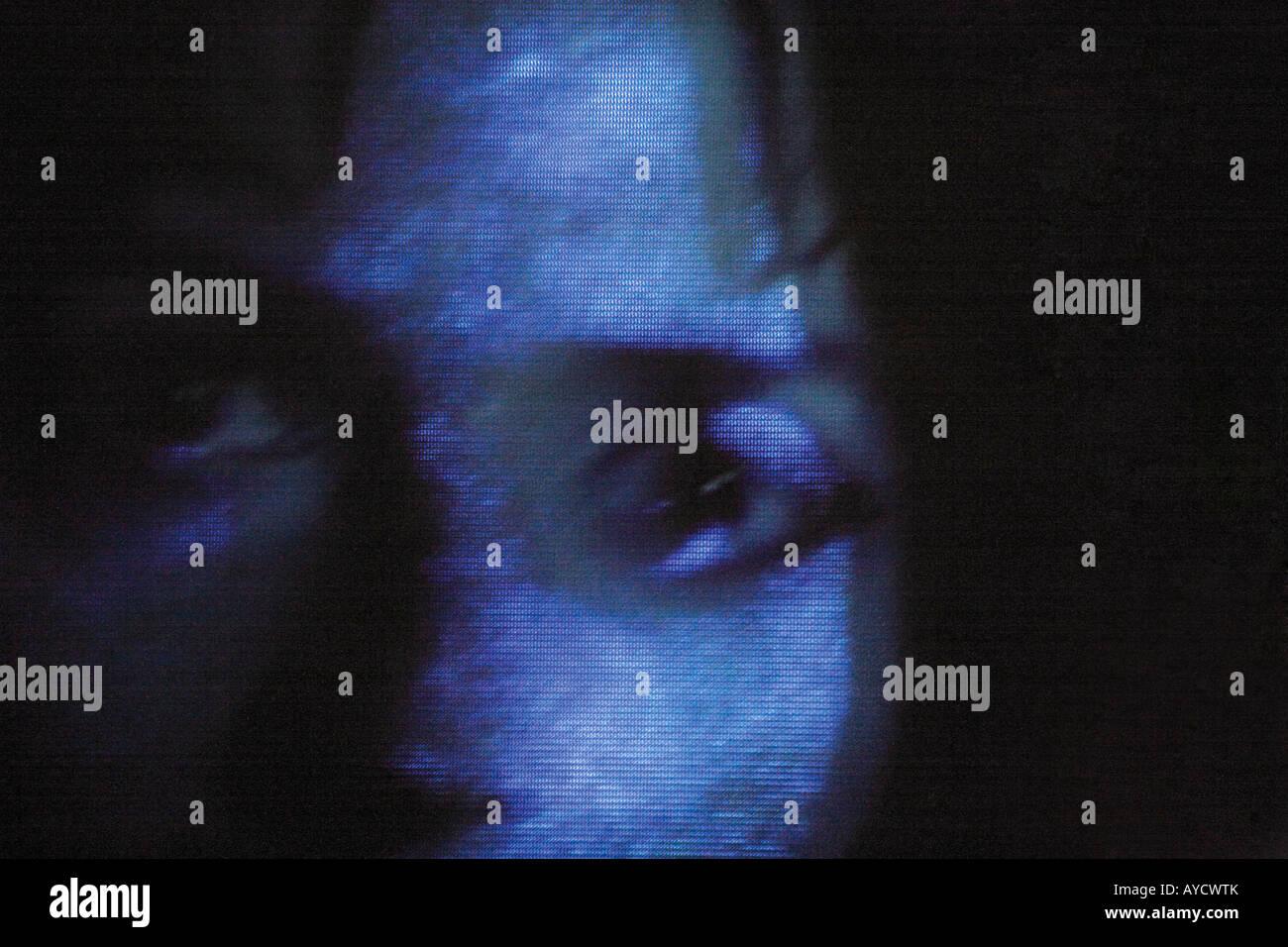 Granulosas retrato de mujer en pantalla de vídeo Imagen De Stock