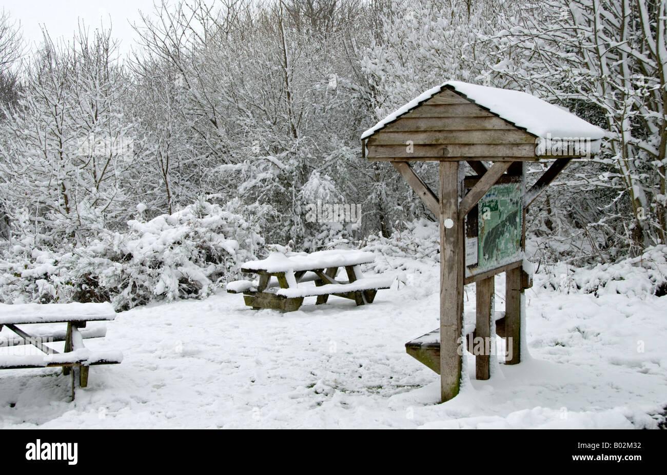 Una escena de nieve cerca de la colina de ide, Kent, Inglaterra. Foto de stock