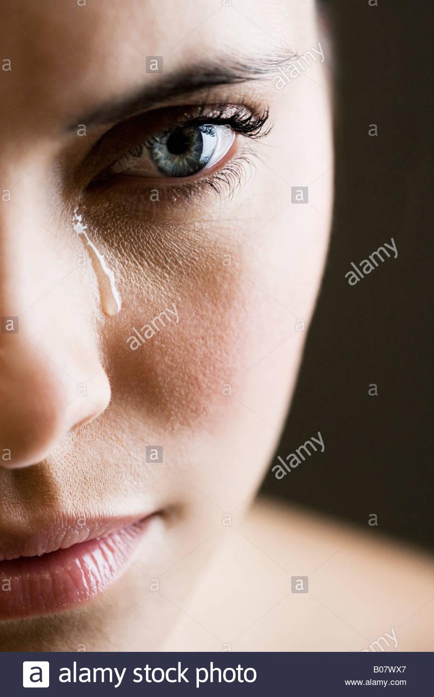 Cerca de mujer llorando Imagen De Stock