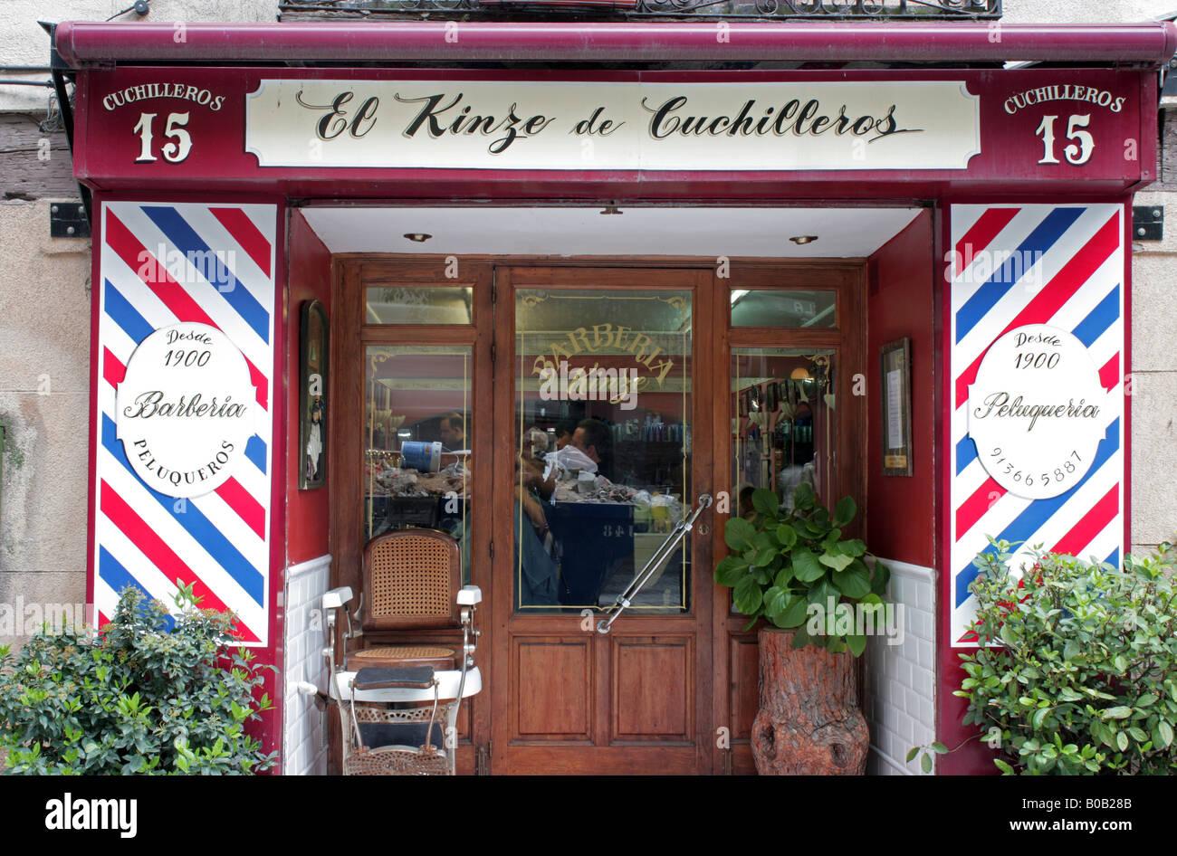 S Barber Shop Madrid Ciudad Vieja Imagen De Stock