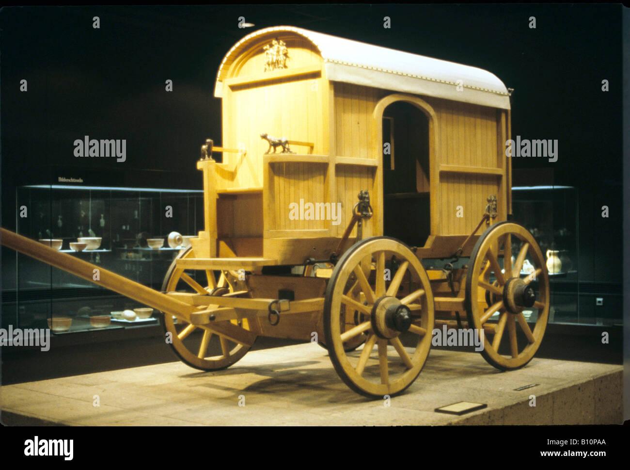 Réplica del carro romano. Reconstrucción del tamaño de la vida. Foto de stock