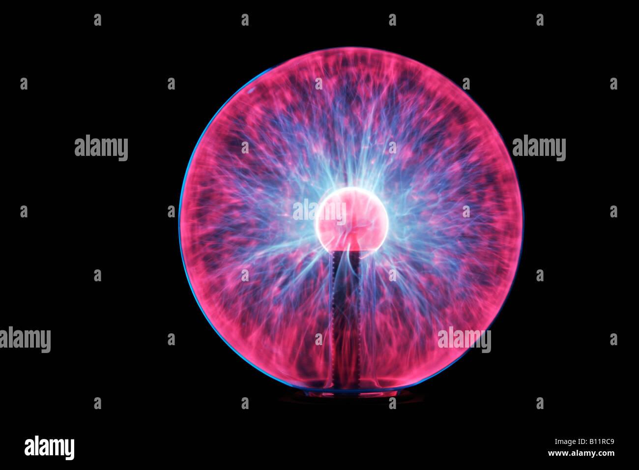 Bolas de plasma. Las lámparas de plasma están disponibles en esferas y cilindros. lámpara de plasma Imagen De Stock