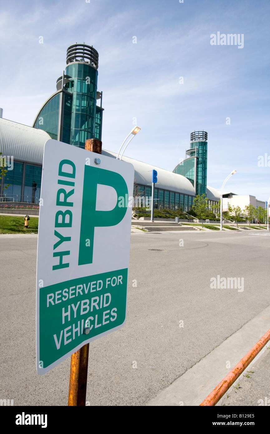 Canadá Toronto Exhibition Place estacionamiento reservados para vehículos híbridos Imagen De Stock