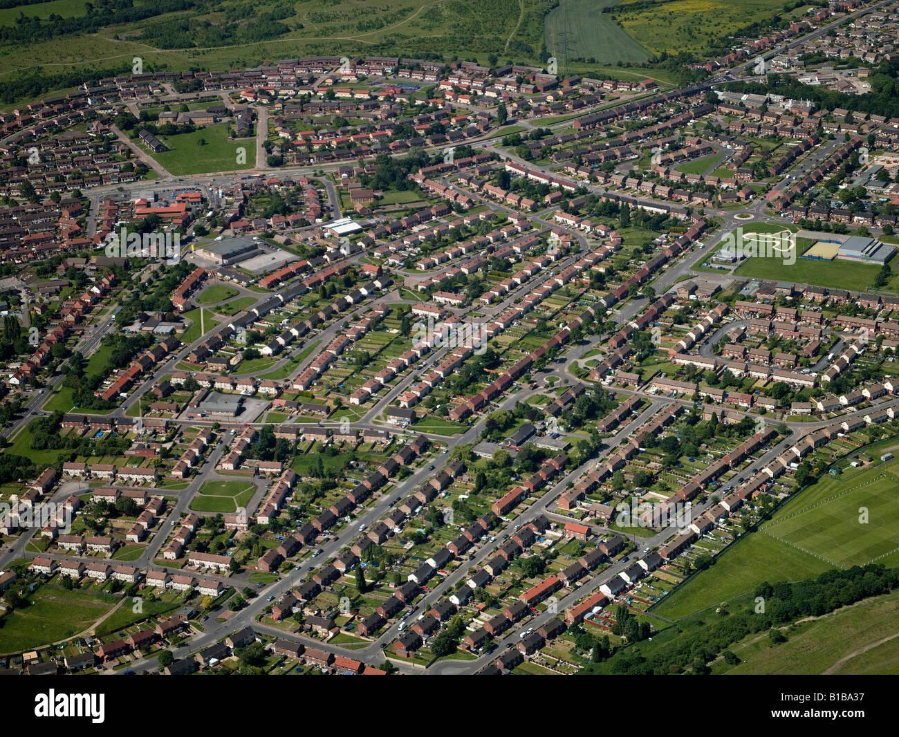 Viviendas de la autoridad local Estate desde el aire, Barnsley, South Yorkshire, Norte de Inglaterra Imagen De Stock