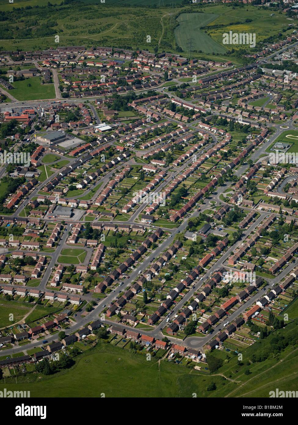 Viviendas de la autoridad local Estate desde el aire, Barnsley,el Sur de Yorkshire, en el norte de Inglaterra Imagen De Stock