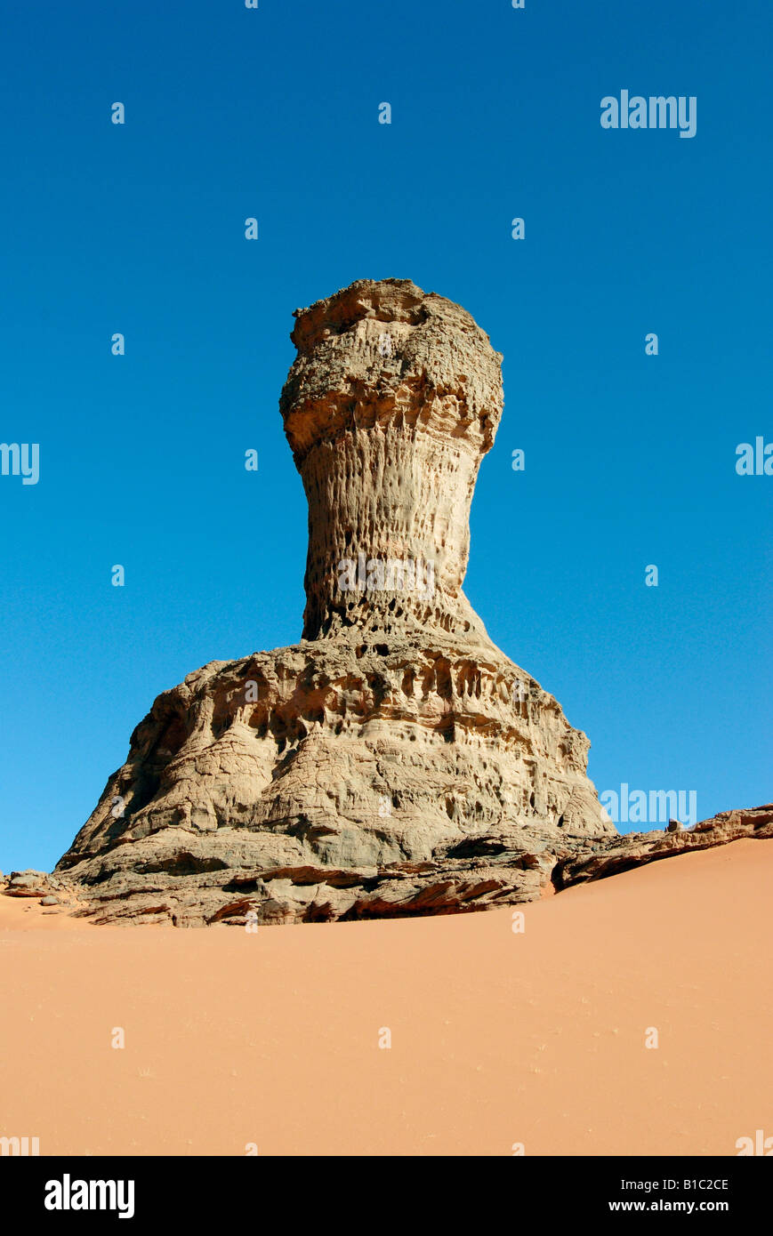 Geografía / viajes, Argelia, paisajes, Tadrart Montaña, roca, columna Additional-Rights-Clearance-Info Imagen De Stock