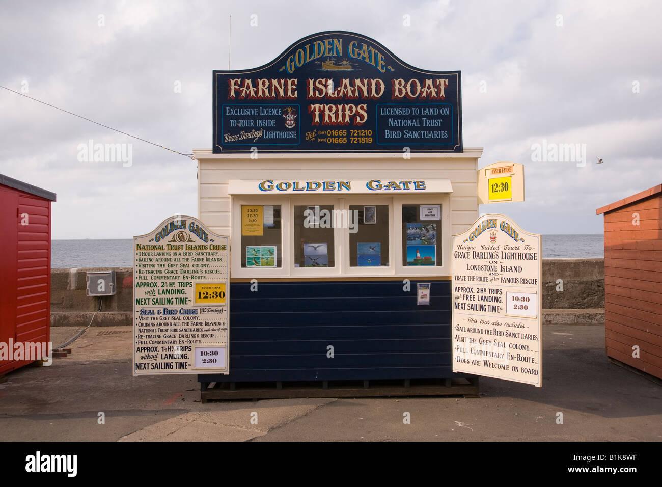 Viaje en barco quioscos Seahouses Northumbria Inglaterra Imagen De Stock