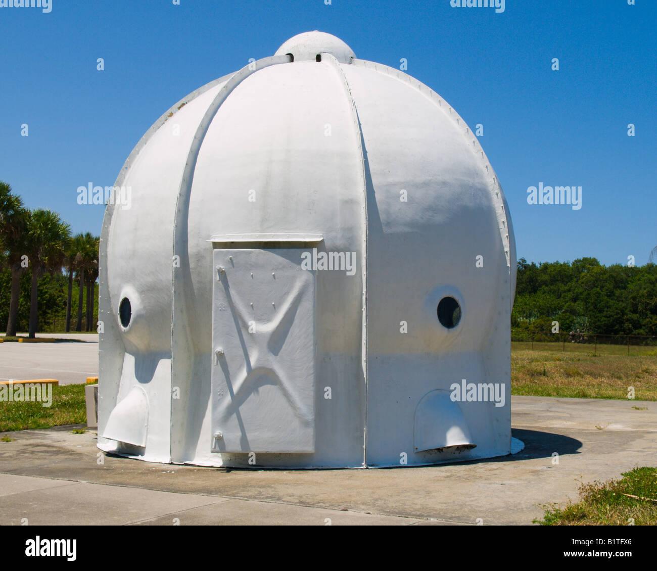 PORTABLE BLAST refugio utilizado en las primeras pruebas de lanzamiento de misiles balísticos para proteger el personal de tierra en Cabo Cañaveral, Florida, EE.UU. Foto de stock