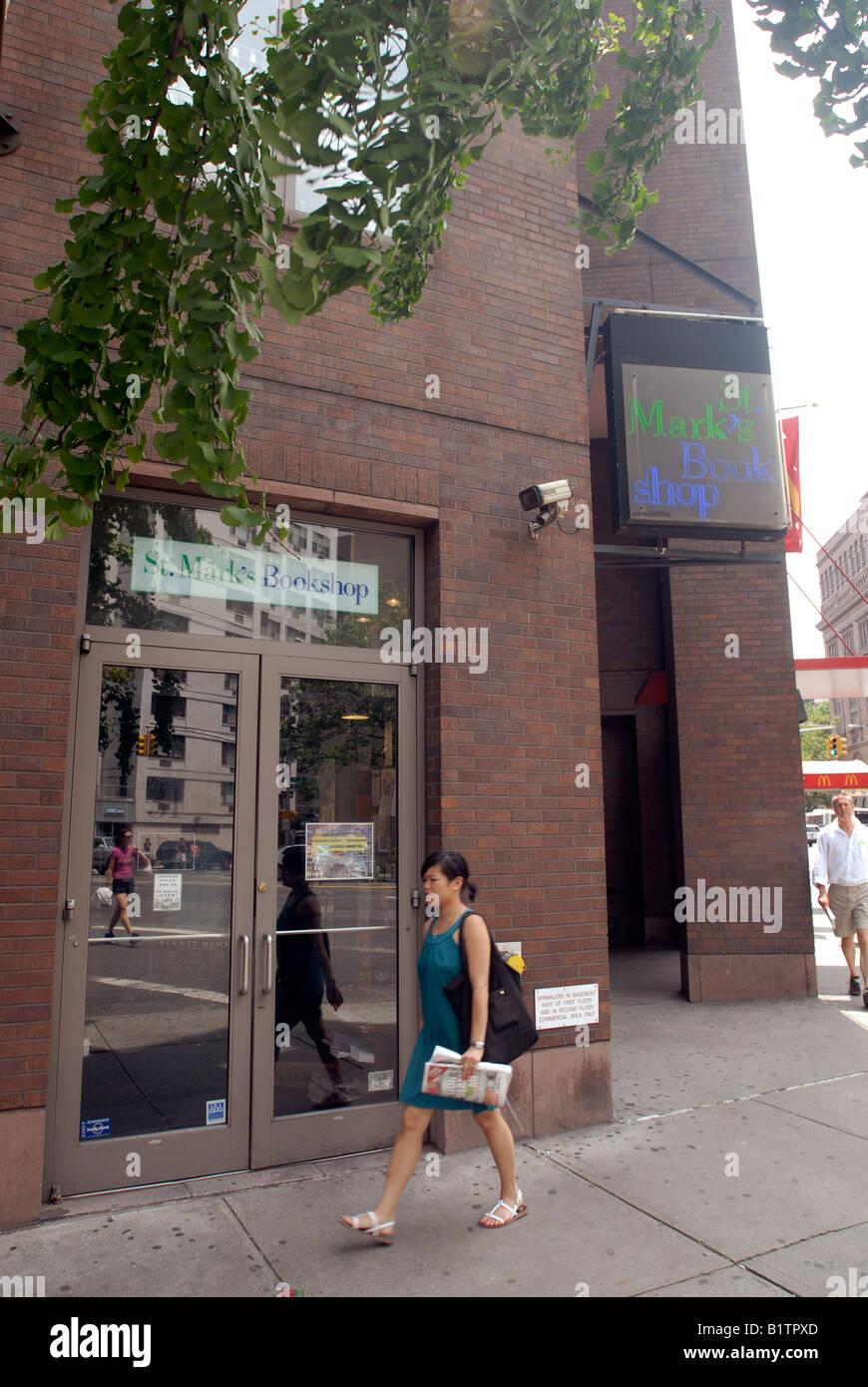 Urban Neighborhood Store Usa Imágenes De Stock & Urban Neighborhood ...