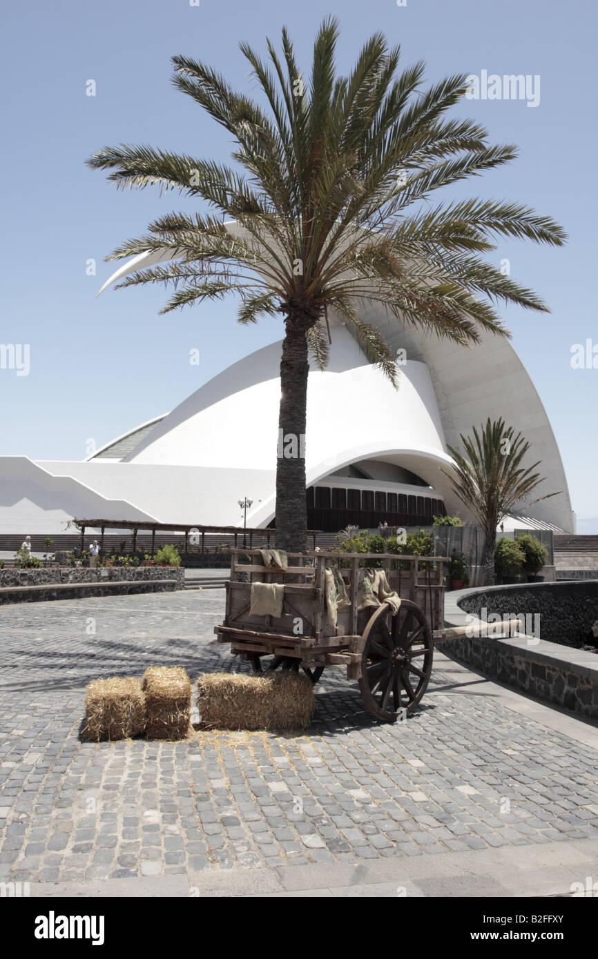 Un carro de heno abandonó después de una reconstrucción de la 1797 Batalla de Santa Cruz, Santa Cruz de Tenerife Foto de stock