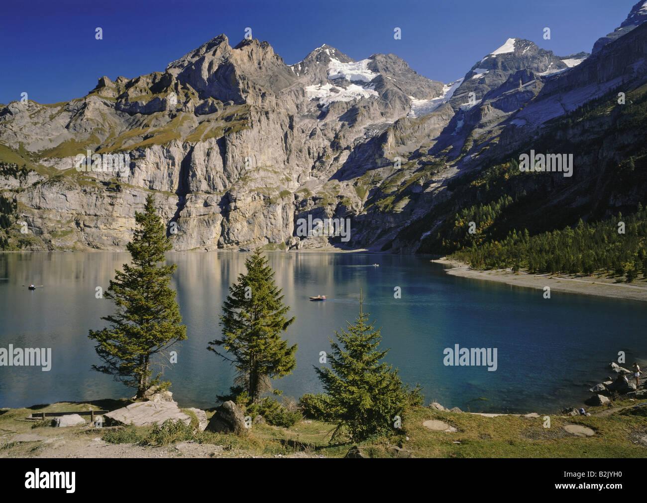 Geografía / viajes, Suiza, Berna, paisajes, Lago Blumlisalp Oeschinen, Rango, Additional-Rights-Clearance-Info Imagen De Stock