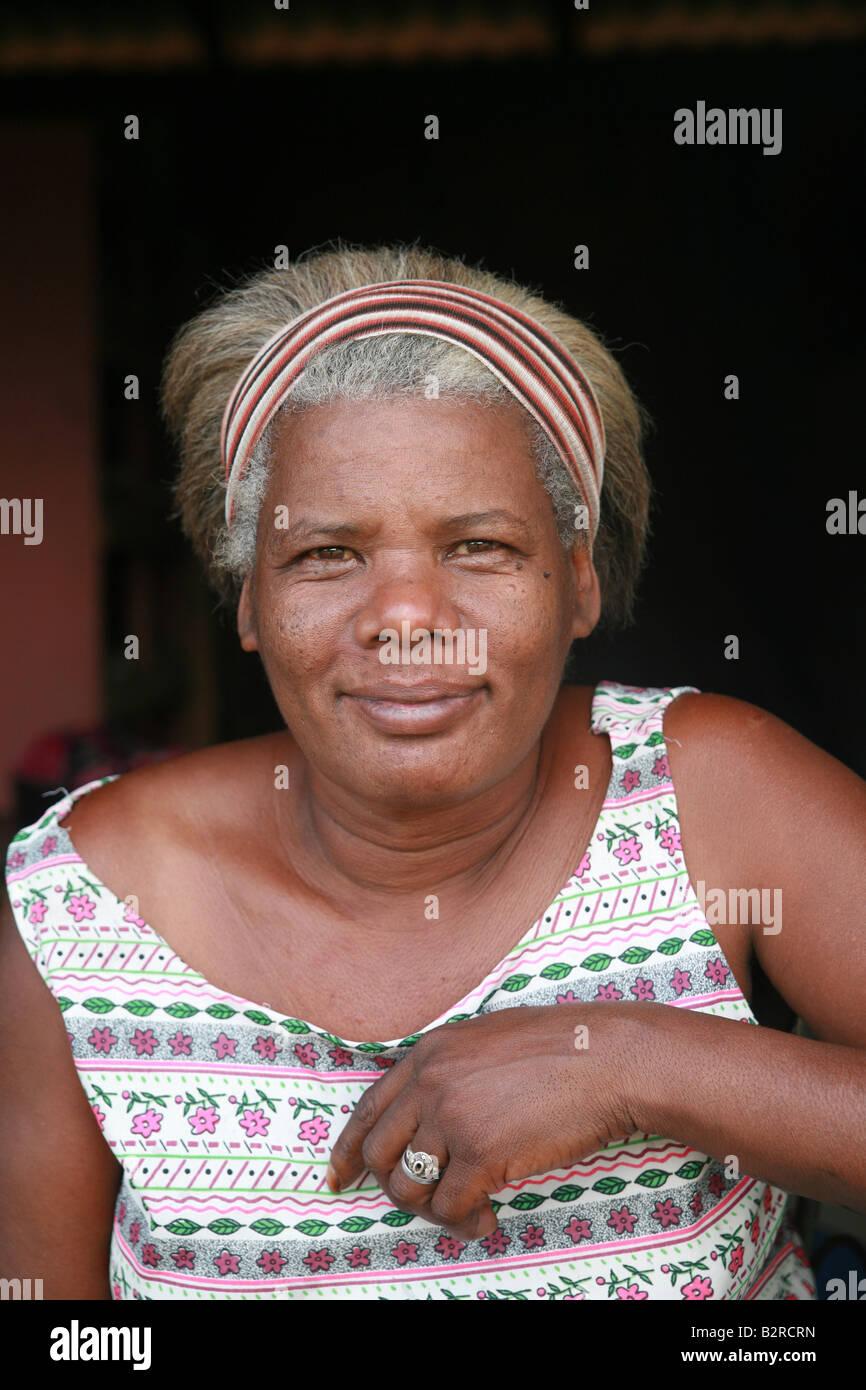 Mujer Viñales en la provincia Pinar del Río, Cuba América Latina Imagen De Stock