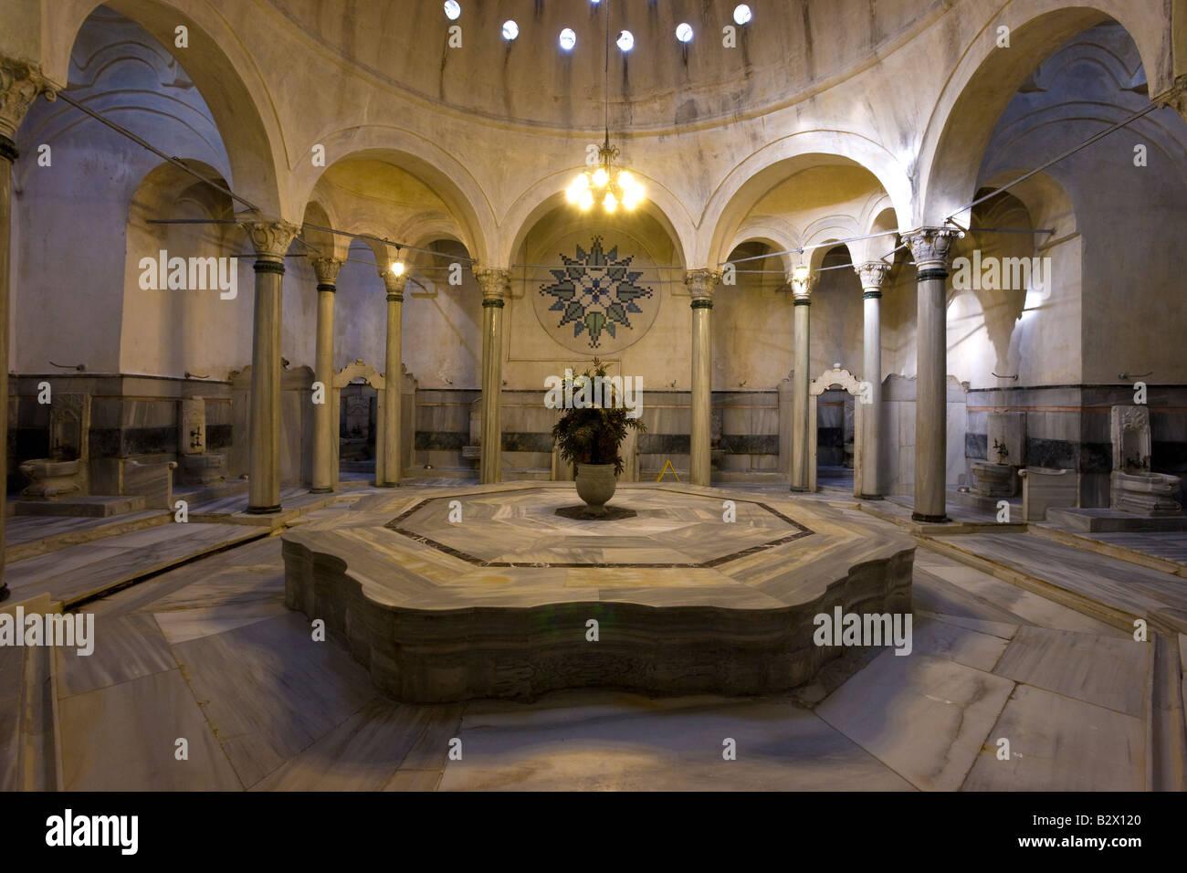 Cagaloglu hamam im genes de stock cagaloglu hamam fotos for Hoteis zona centro com piscina interior
