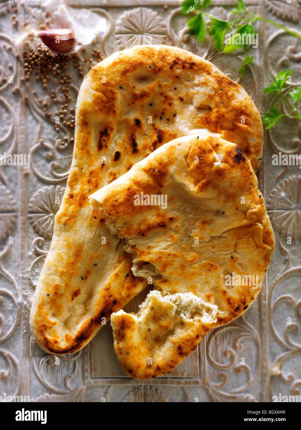 El ajo y el cilantro pan naan indio Imagen De Stock