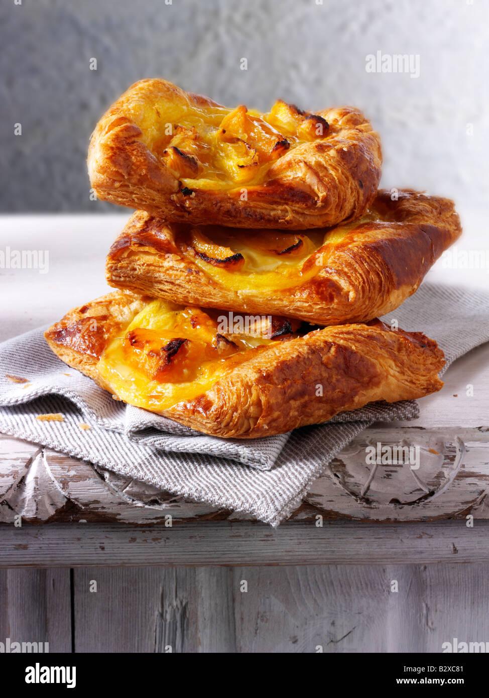 Glaseado de albaricoque slice pastelería Imagen De Stock