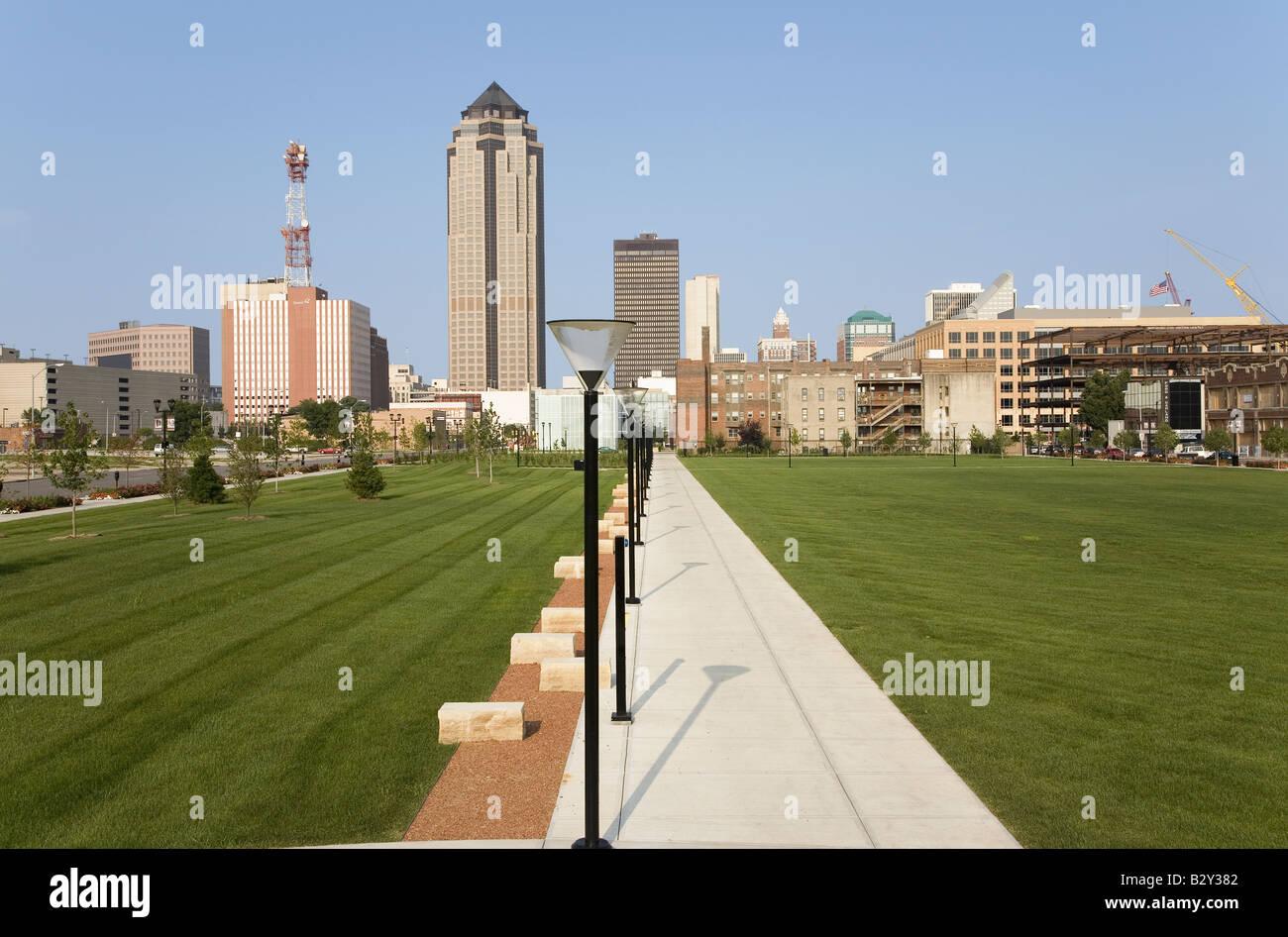 Vista del horizonte de Des Moines, capital de Iowa Foto & Imagen De ...