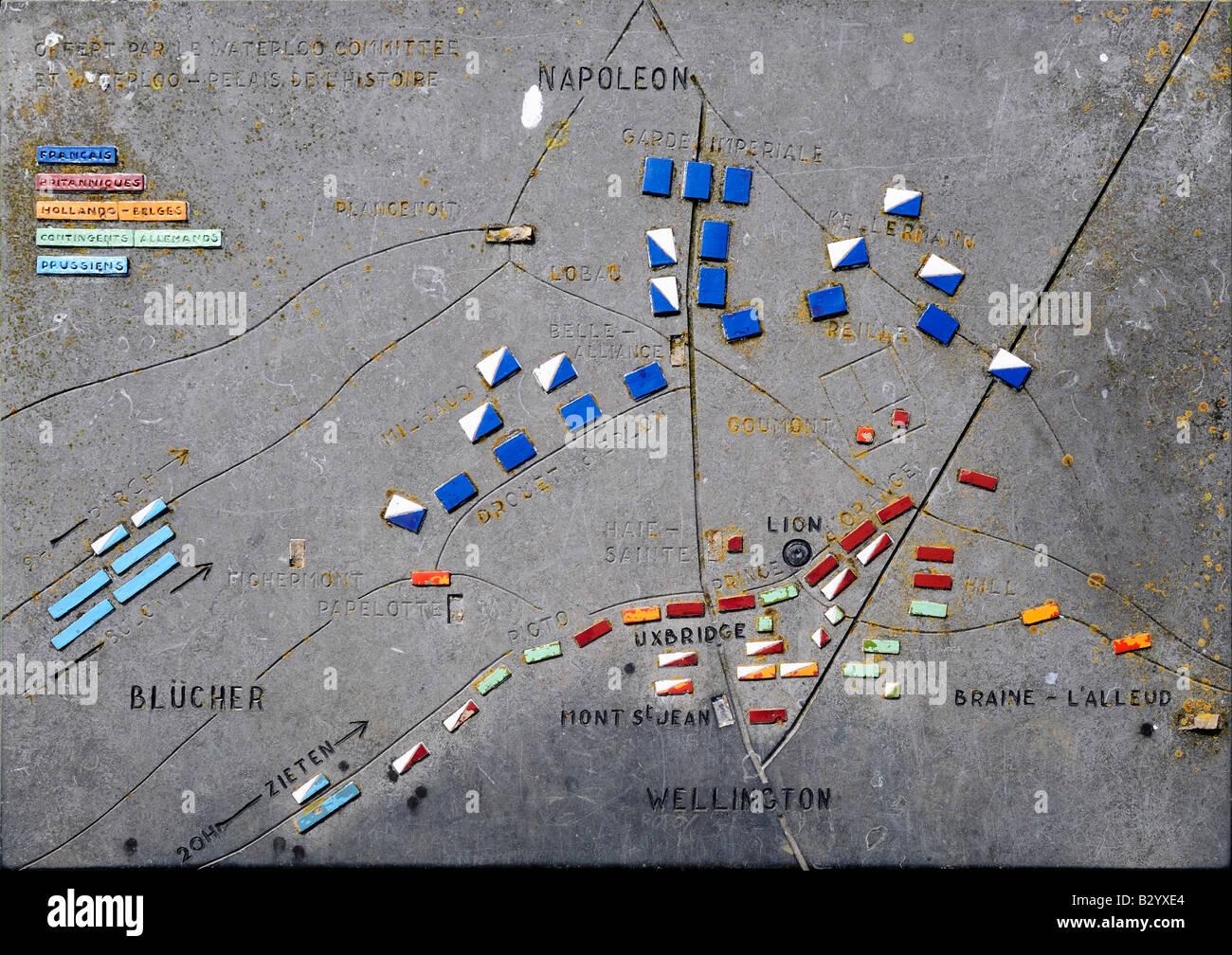 Placa mostrando la ubicación de los distintos ejércitos en la batalla de Waterloo, el 18 de junio de 1815. Imagen De Stock