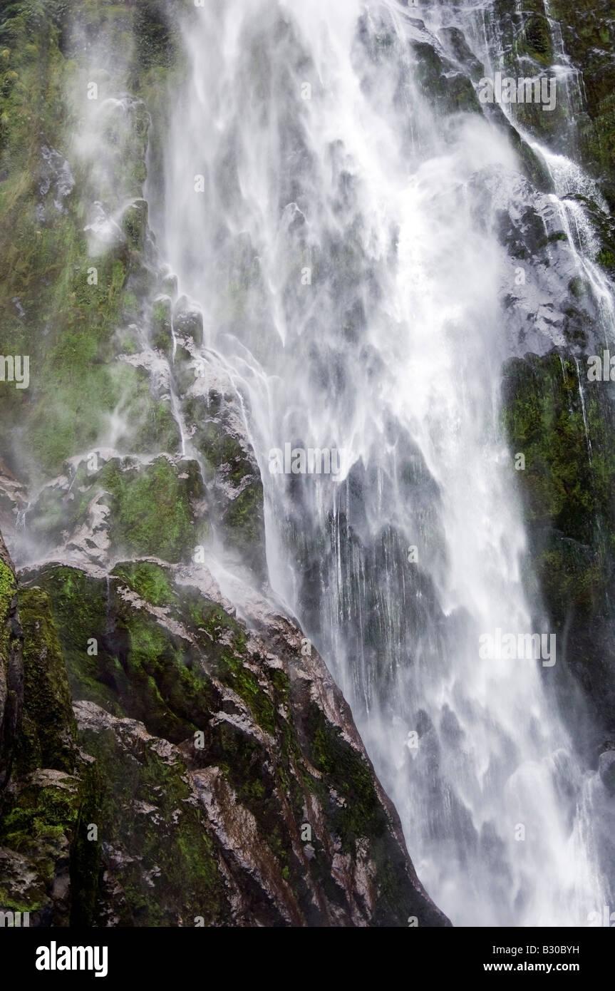 Alimentación elemental, Cataratas Stirling, Milford Sound, NZ Imagen De Stock