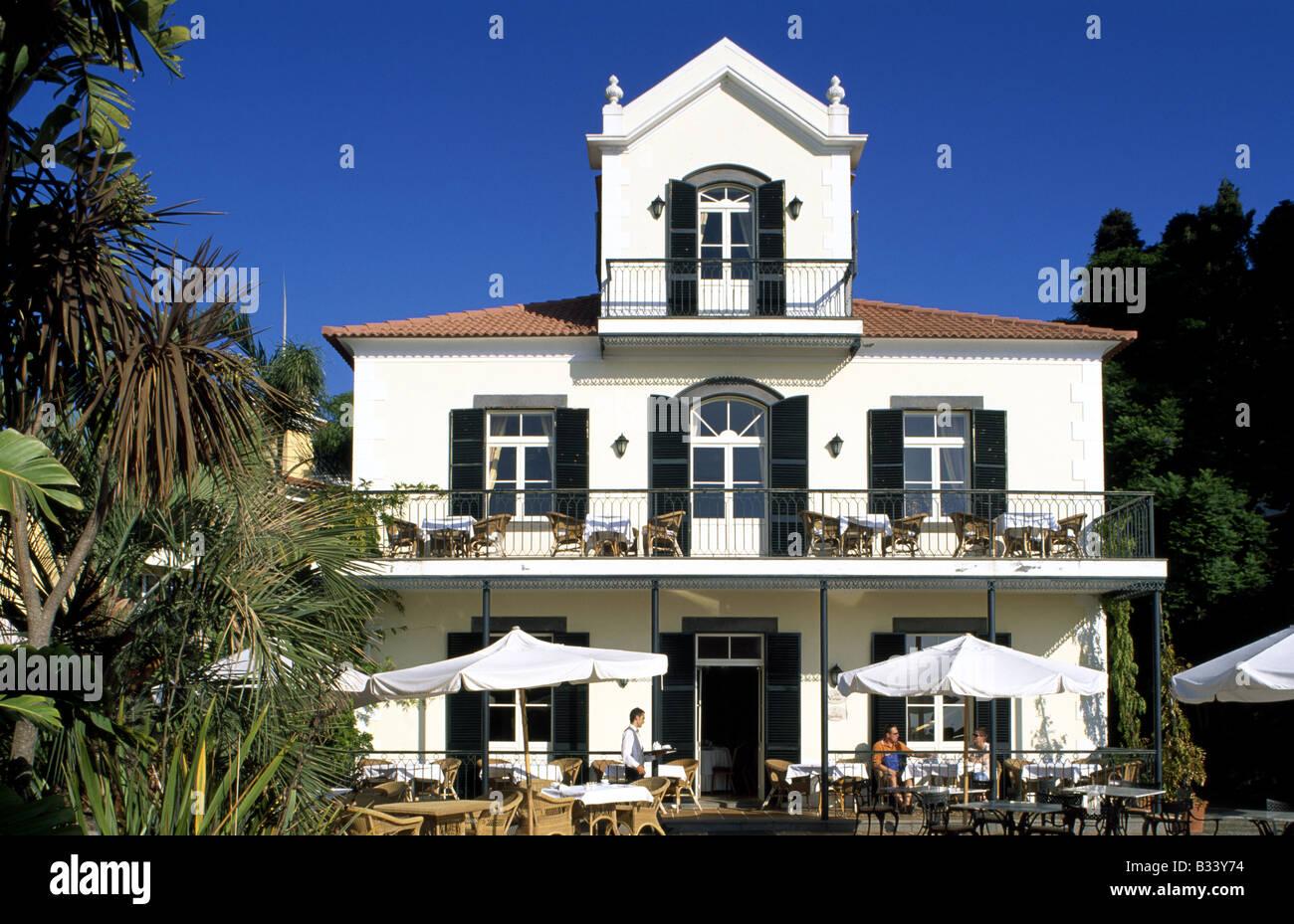 Hotel Quinta do Estreito de Camara de Lobos en las inmediaciones de la isla de Madeira Foto de stock