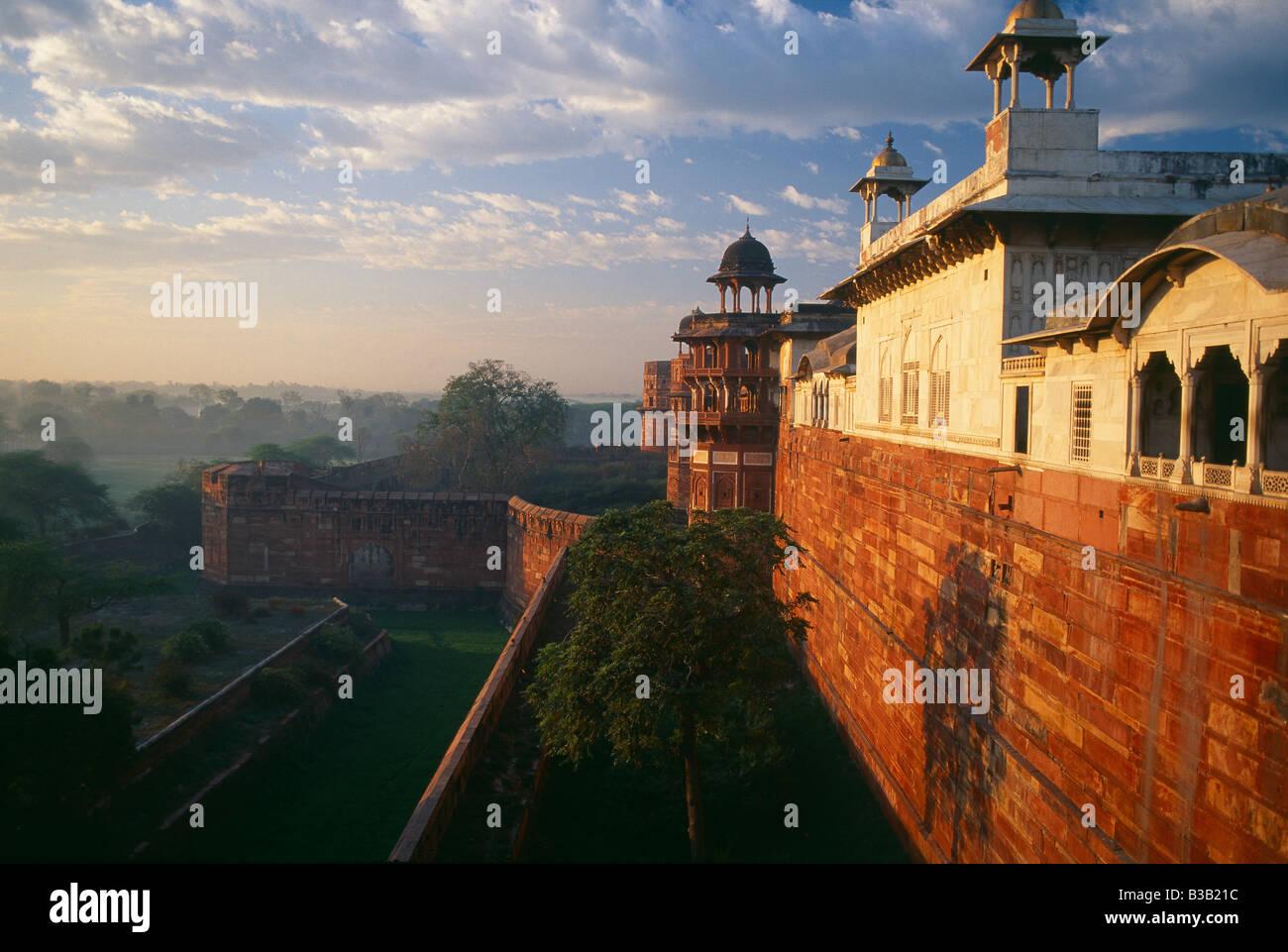 El Fuerte de Agra al amanecer, Agra, India Imagen De Stock