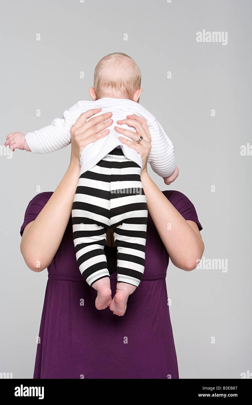 Una madre y su bebé niña Imagen De Stock