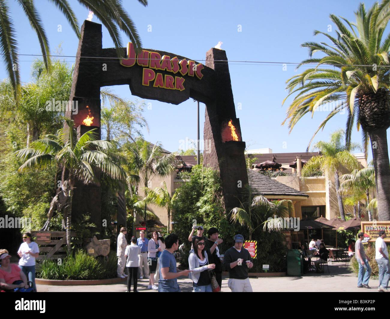 UNIVERSAL Studios Hollywood, entrada al Parque Jurásico ride Imagen De Stock