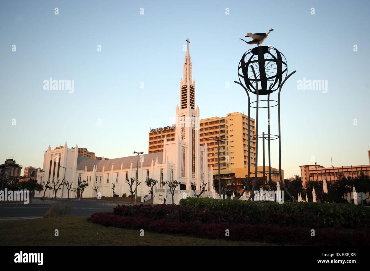 La Catedral Católica de Nossa Senhora da Conceicao en Maputo, Mozambique. Imagen De Stock