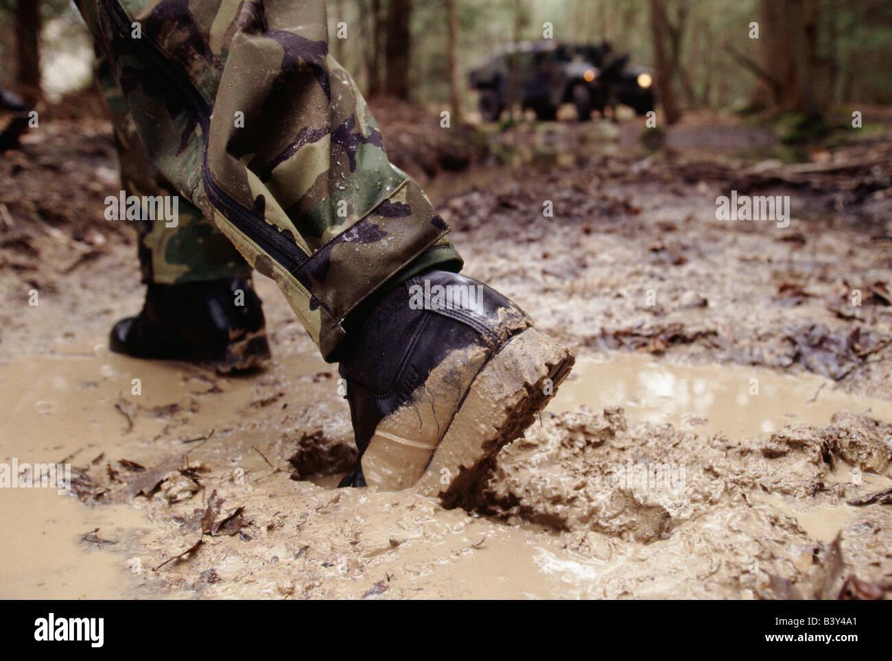 Cerca Soldado El Estados De Un Barro Bota Ejército En La Del wnNPy0m8vO