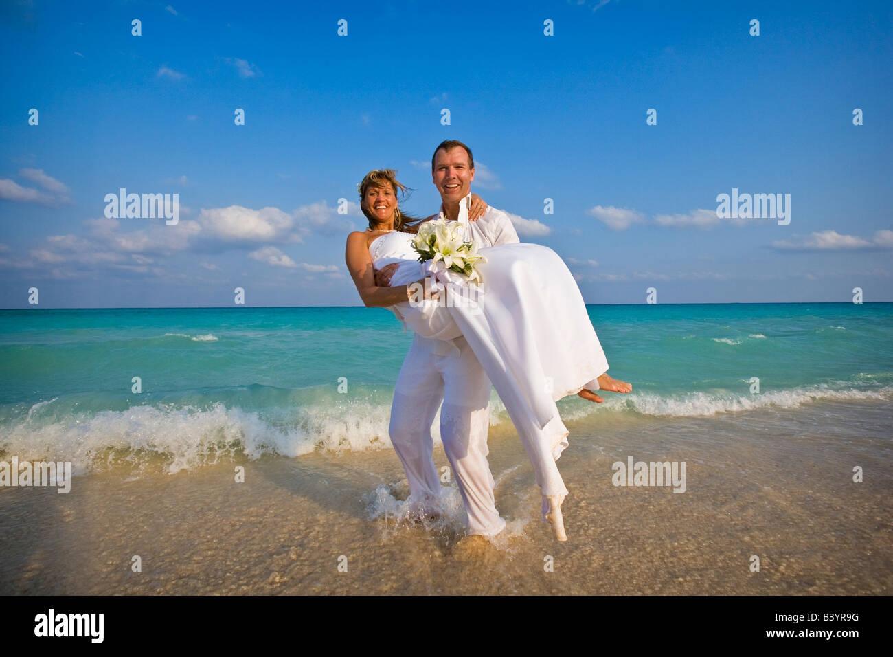 Tuxes Imágenes De Stock & Tuxes Fotos De Stock - Alamy