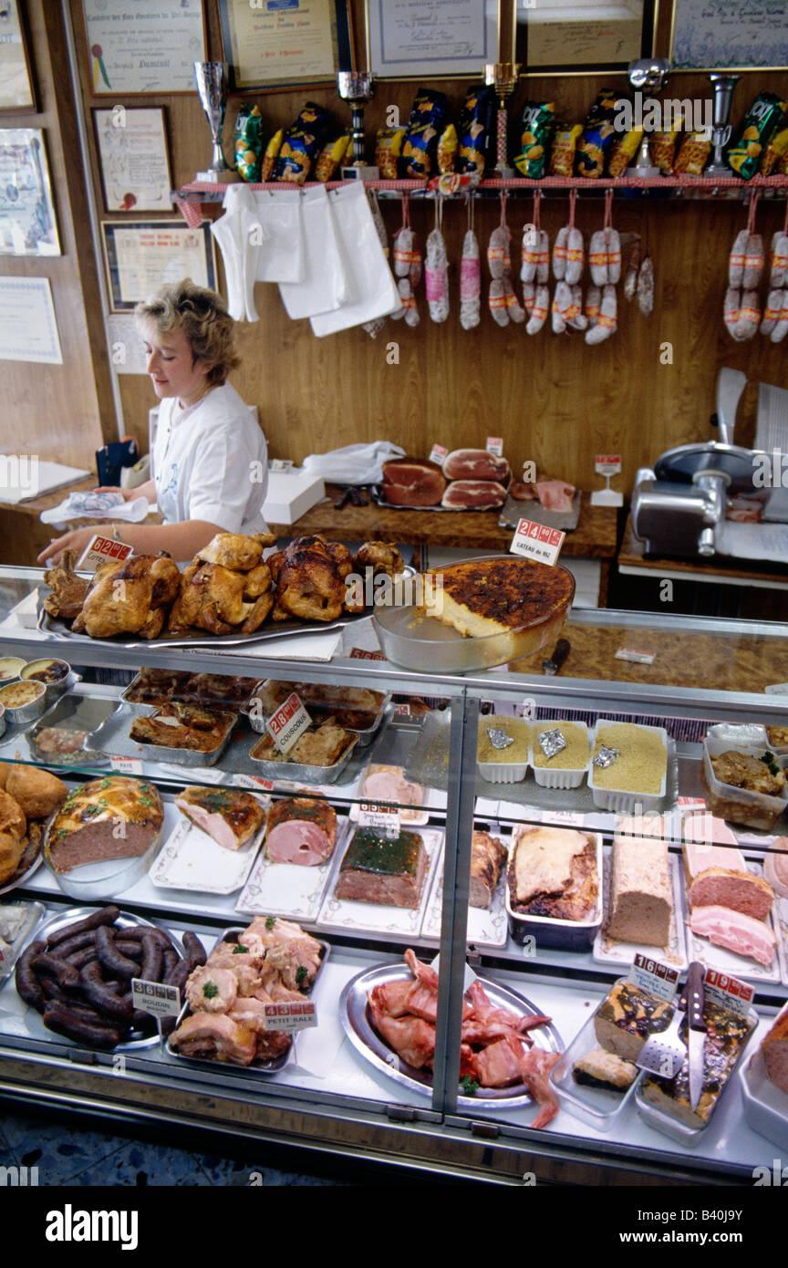 Carnes Y Productos En Exhibicion En Una Carniceria La Ue La Region