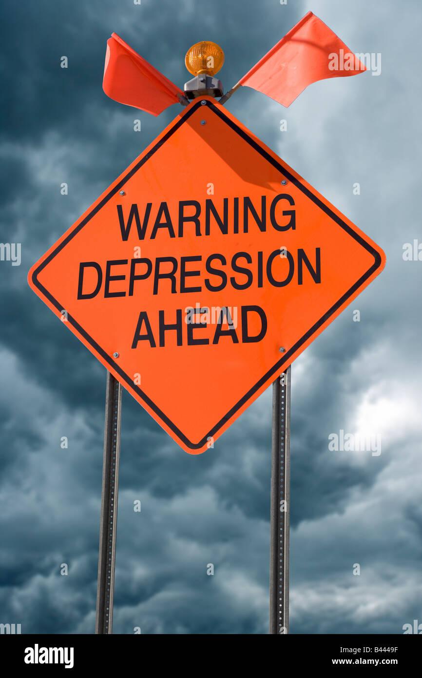 Una naranja Highway Safety firmar con las palabras de advertencia antes de la depresión Imagen De Stock