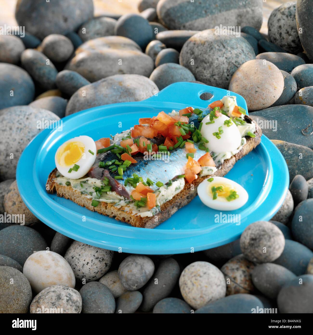 La sardina y tomate bruschetta bretón Imagen De Stock