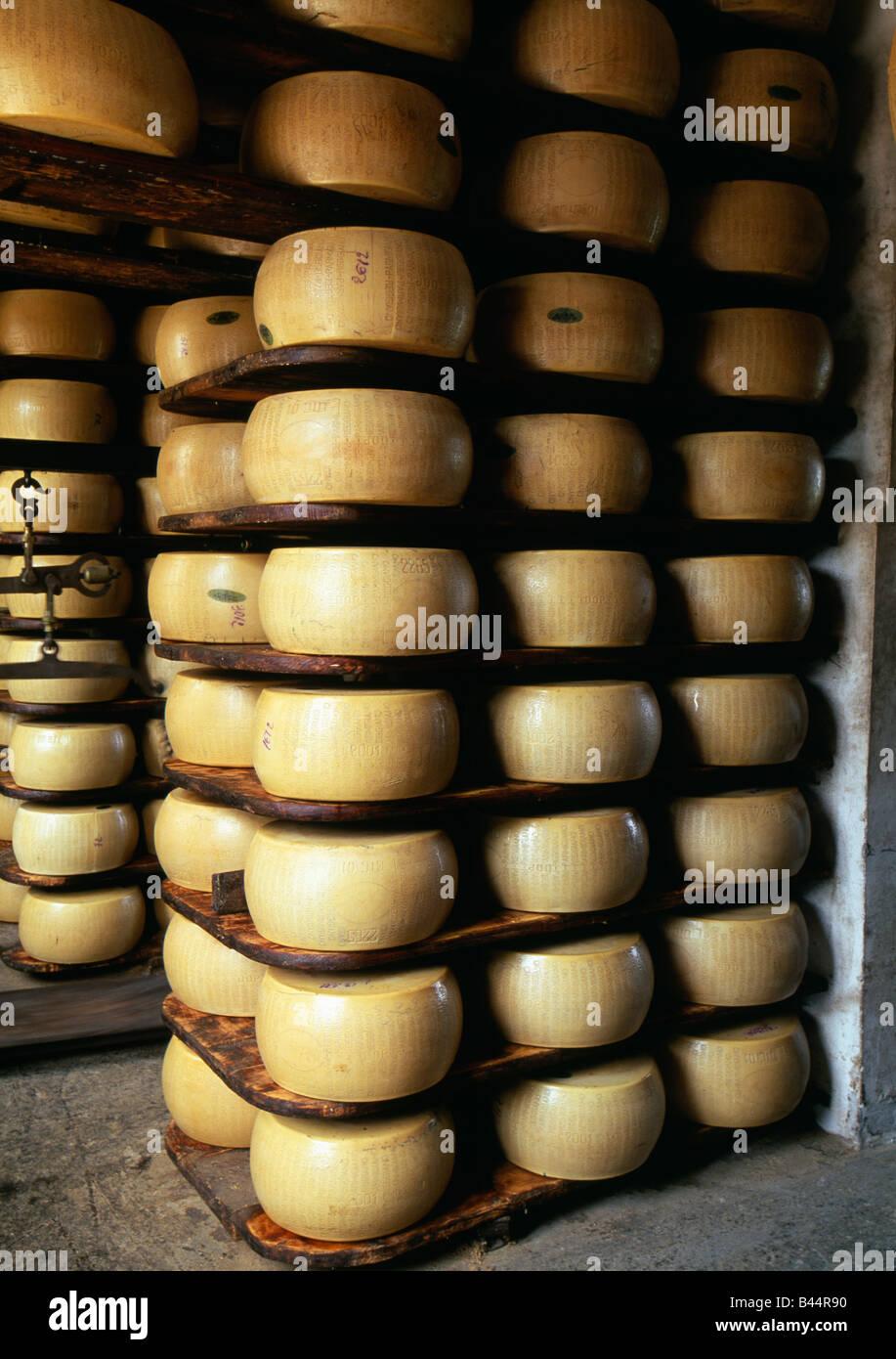 Bodega de queso parmesano Imagen De Stock