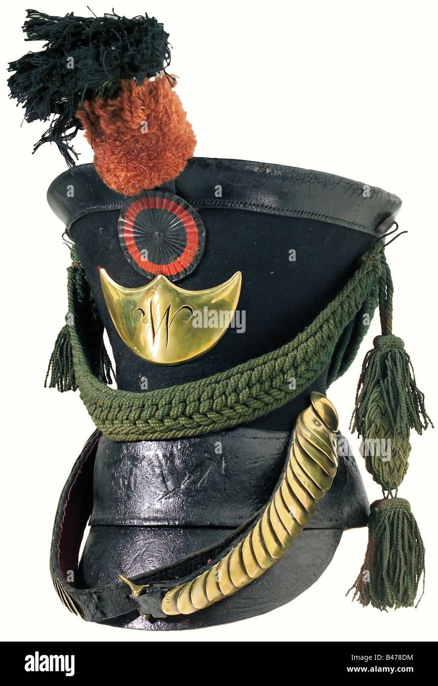 Jäger shako Wuerttemberg: un patrón de 1821, Cuerpo de fieltro negro, con una parte superior de cuero, Imagen De Stock