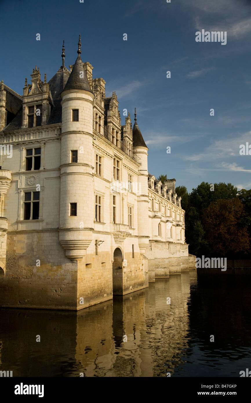 Vista de la cara oeste del Château de Chenonceau al atardecer, :El Valle del Loira, Francia Imagen De Stock