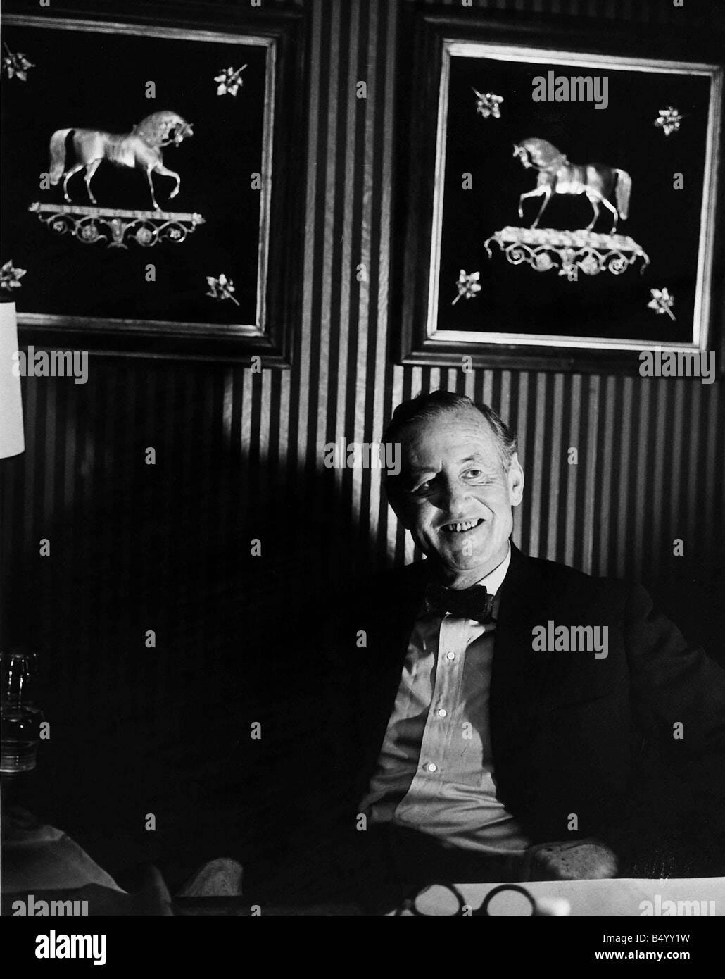 Thriller de espionaje británico Ian Fleming escritor James Bond 1963 Imagen De Stock