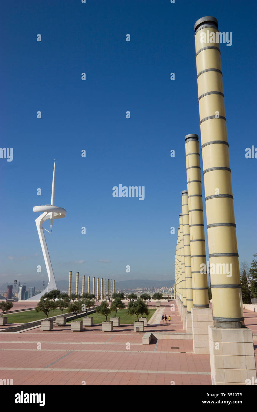 Torre de Telecomunicaciones de Montjuïc Barcelona España Santiago Calatrava la torre de comunicaciones Imagen De Stock