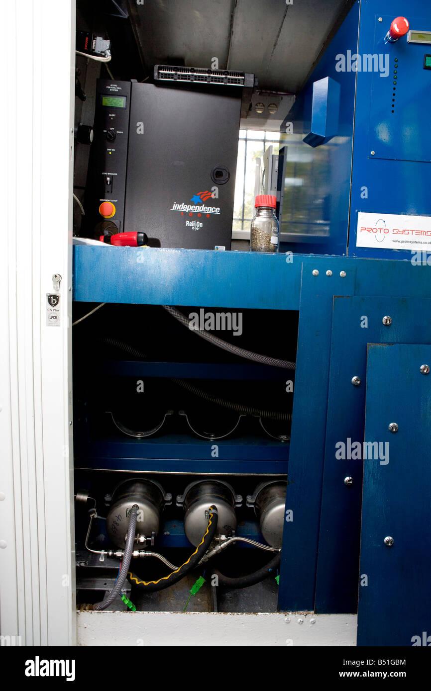 Las células de combustible de hidrógeno de hidruro de cilindros superior se utilizan para almacenar el Imagen De Stock