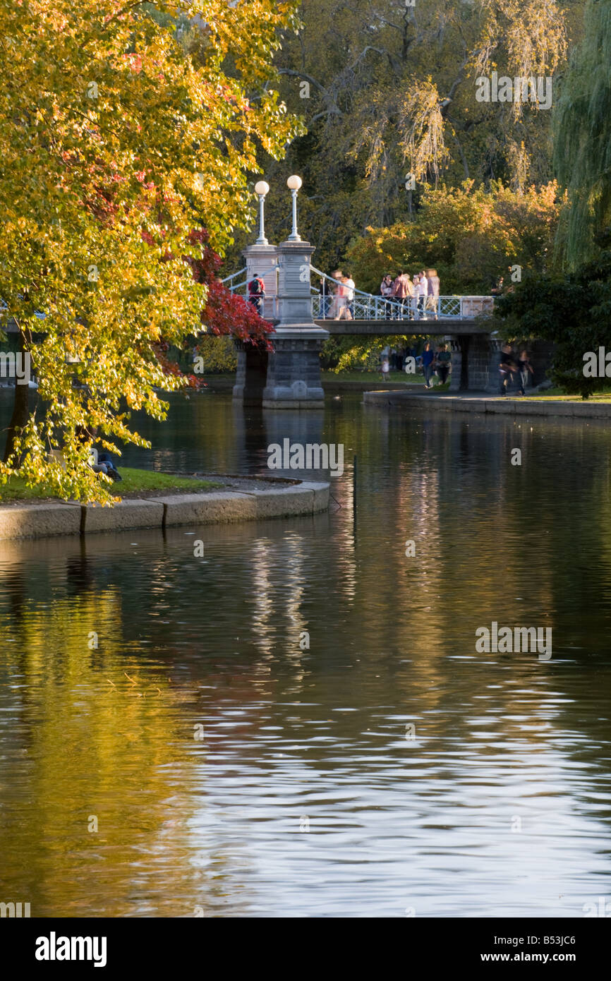 Agradable día de otoño en Boston Common Boston Massachusetts Imagen De Stock