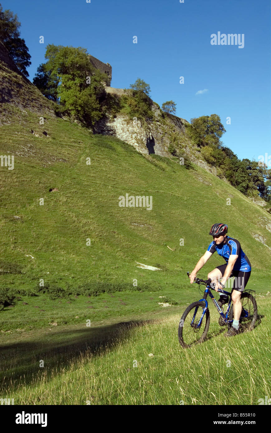 Doug Blane mountain bike Cavedale Castleton en el Peak District National Park Derbyshire, Reino Unido Inglaterra GB Gran Bretaña Foto de stock