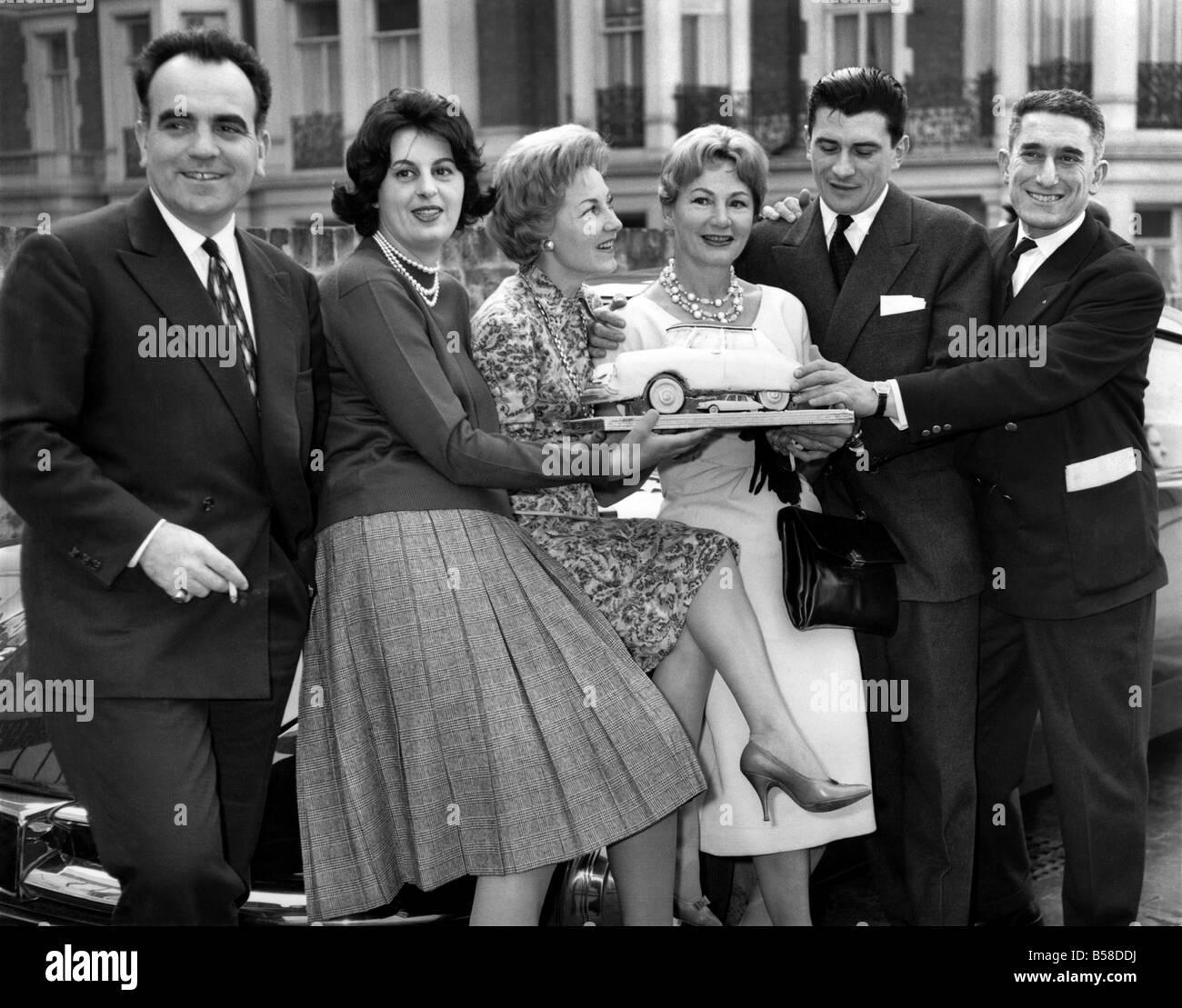 Rally de Monte Carlo. Los franceses que ganó el Rally de Monte Carlo-acompañados por sus esposas, visitó Imagen De Stock