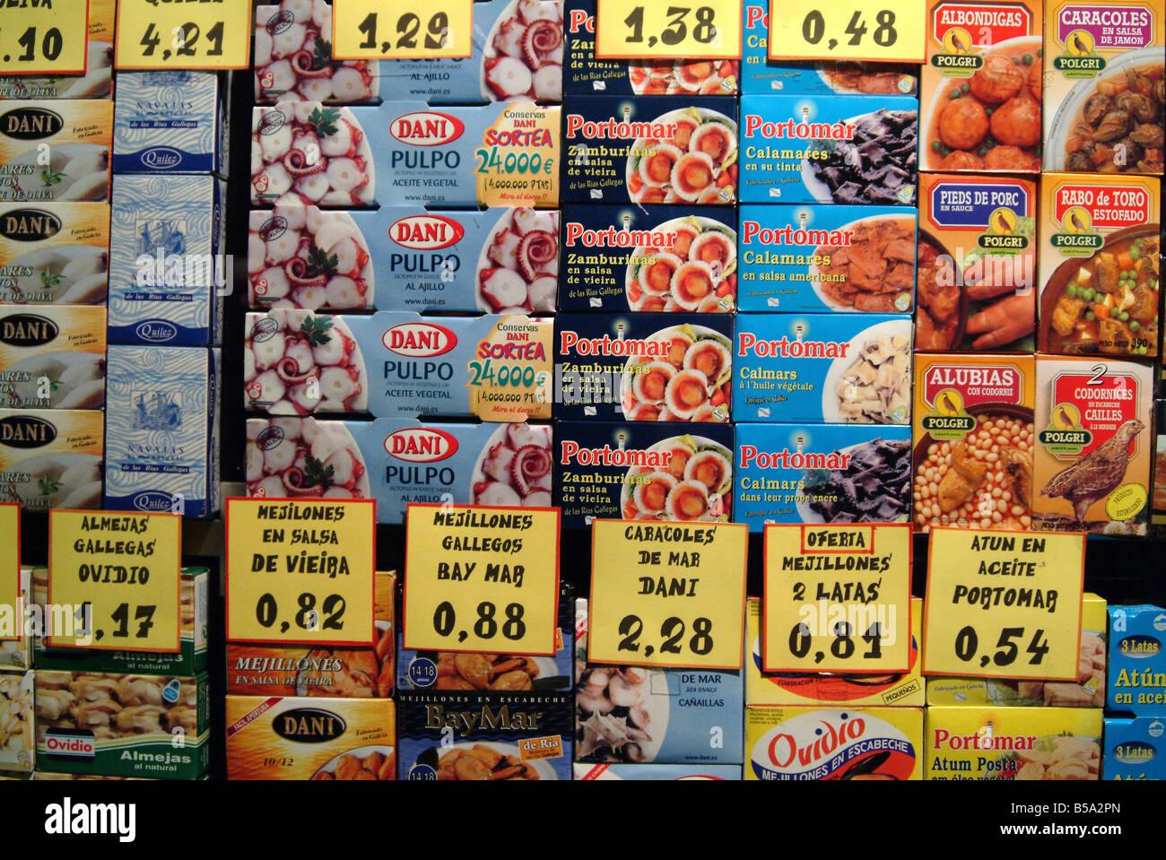Escaparate de una tienda en Barcelona España Foto de stock