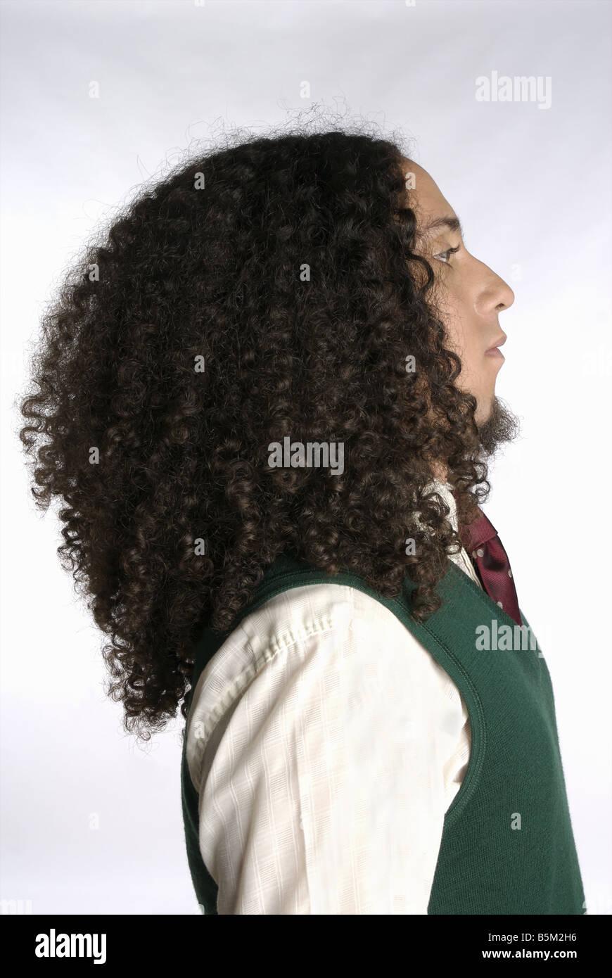 Shaggy pelirroja hombre en traje formal. Imagen De Stock