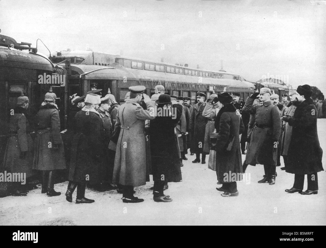 9 1917 12 15 A1 16 de Brest Litowsk llegada de Russ delegacy Guerra Mundial 1 1914 18 ruso armisticio alemán de Foto de stock