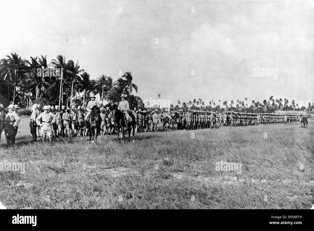 9AF 1914 0 0 A3 1 Desfile de tropas del África Oriental Alemana Guerra Mundial 1 guerra en las colonias de África Oriental Alemana ahora Tanzania general Foto de stock